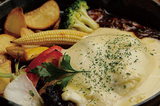 牛粗挽きハンバーグビーフシチュー チーズソース