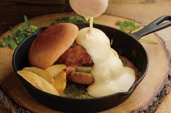 トリプルチーズビーフバーガー(1日限定5食)